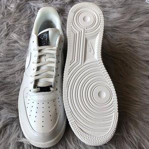Nike Shoes - Nike Sportswear Air Force 1 07 LX women's size 11